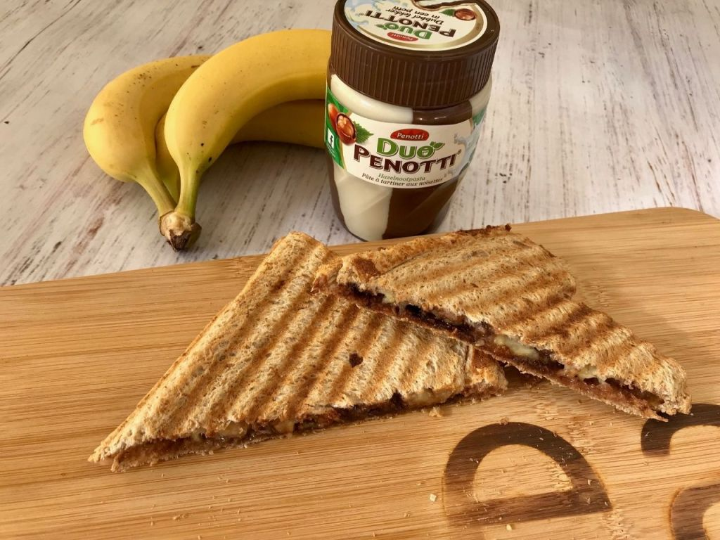 Tosti banaan en chocoladepasta