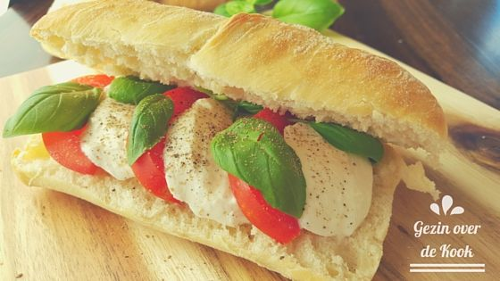 broodje mozzarella tomaat moestuintje