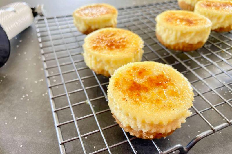 Recept voor crème brûlée cheesecake cupcakes