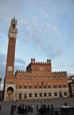 Kule ve Town Hall