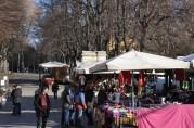 Piazza dell' 8 Agosto meydanında açık pazar