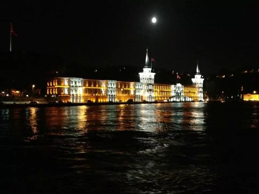 Geceleyin Kuleli