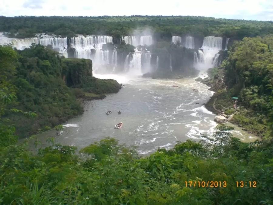 Foz do Iguaçu (Igasu Şelalesi)
