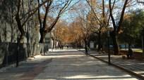 Shëtitorja Murat Toptani - Straße in Tirana