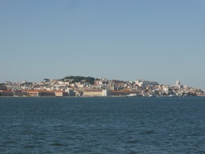 Lissabon vom Tajo betrachtet