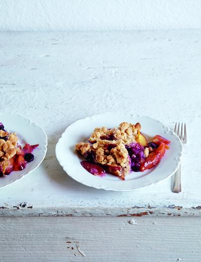 Gluten-Free Peach and Blueberry Crumble Recipe