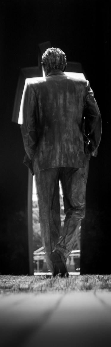 Escultura y silueta.