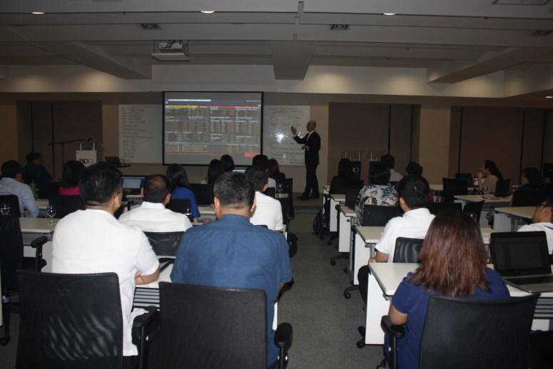 Tariq Dennison presenting repo workshop in Manila