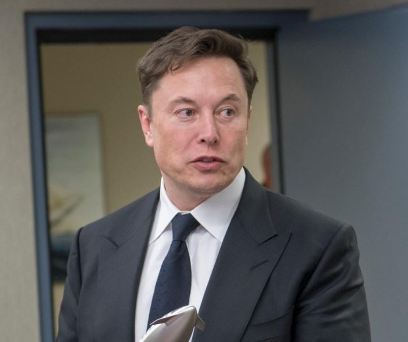Elon Musk loses investors billions, takes home >$500mio