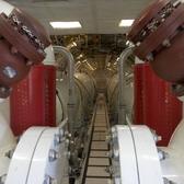 Die riesigen Tanks im Inneren der Maschine nehmen fast achtmal soviel Flüssigekit auf wie die Tanks herkömmlicher Löschflugzeuge. Quelle: dpa