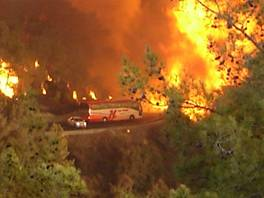 Bus trapped in Carmel wildfire, Dec. 2, 2010.