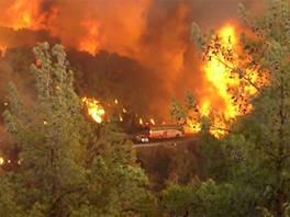 Bus trapped in Carmel fire blaze, Dec. 2, 2010
