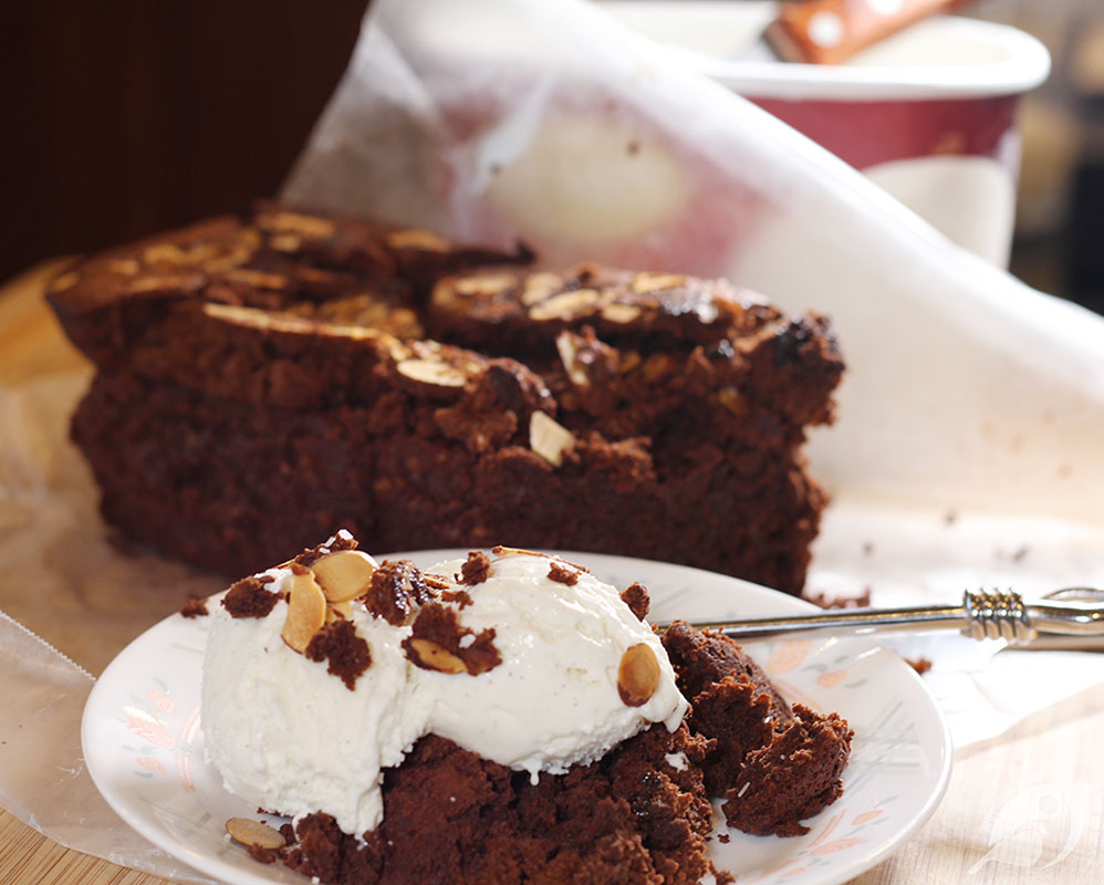 Flourless Chocolate Tea Cake