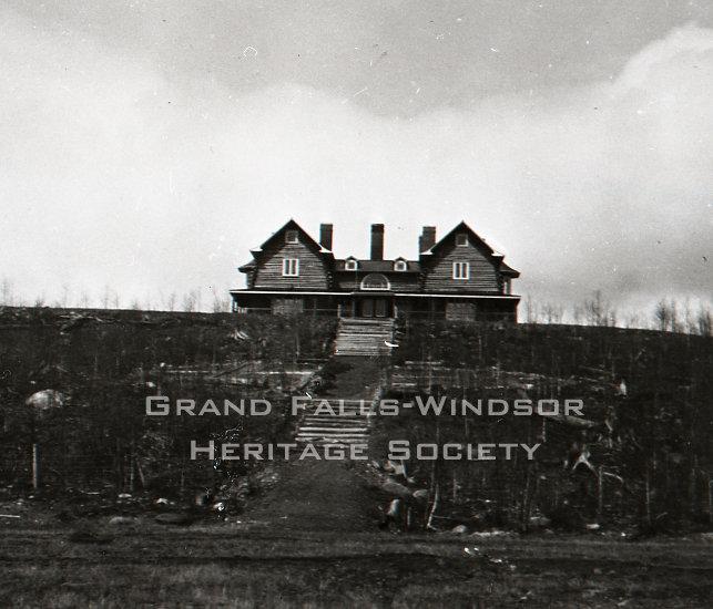 Grand Falls Townsite - Log House 1907