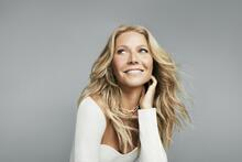 A candle with the scent of a Gwyneth Paltrow vagina caused an explosion in a woman's house