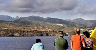 BÅTTUR:  PÅ tur fra El Hierro tilbake til Los Cristianos på Tenerife. Her passerer vi La Gomera, Foto: JOHN TERJE PEDERSEN/Dagbladet