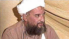 Ayman al-Zawahri, her fra et TV intervju fra 2003 der har oppfordrer det pakistanske folk til å styrte president Musharaf for å ha sviktet islam.