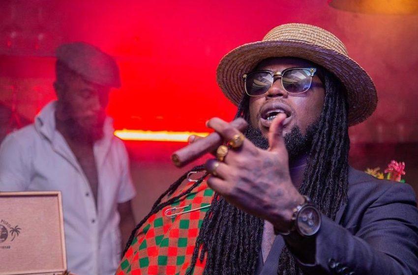 Le rappeur ivoirien BLACK K membre de KIFF NO BEAT fait passer un message a travers son dernier titre : l'argent