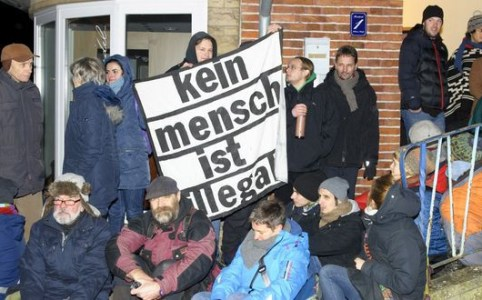 https://www.landeszeitung.de/blog/lokales/209575-amelinghausen-blockade-gegen-abschiebung-mit-lzplay-video
