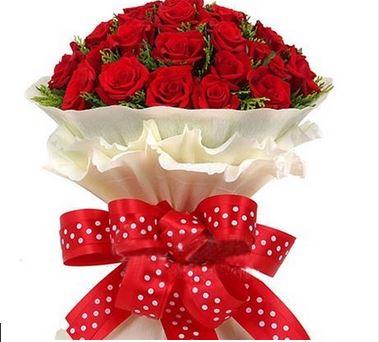 بوكيه ورد احمر ورود رومانسيه جميله بنات كول