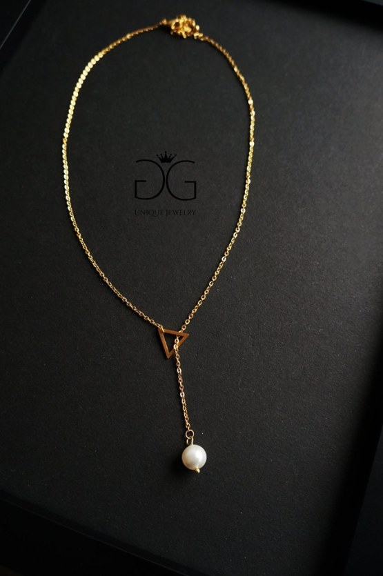 Triangle pearl necklace - GG UNIQUE