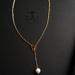 Triangle pearl necklace - GG UNIQUE
