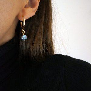 Mini golden hoop earrings with dark fresh-water pearls GG UNIQUE
