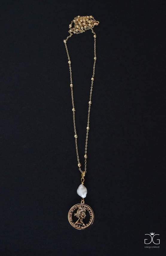 Long gold plated coin necklace with a freshwater pearl - GG UNIQUE
