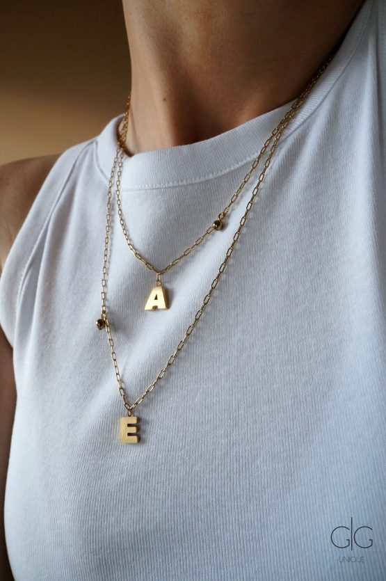 Trendy gold plated letter necklace - GG UNIQUE