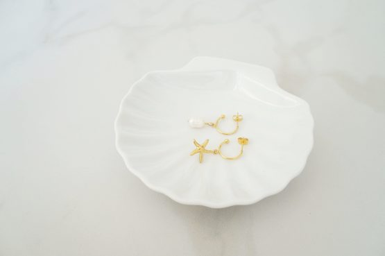 Gold color earrings with sea star and pearl - GG UNIQUE