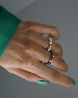 A set of modern colorful rings with pearls - GG UNIQUE