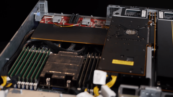 Deep learning and HPC servers powered by AMD EPYC and Radeon Instinct