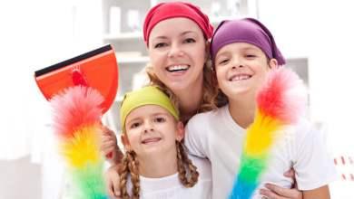 صورة لإكتساب صفات إيجابية.. عودي طفلك على القيام بالأعمال المنزلية حسب سنه