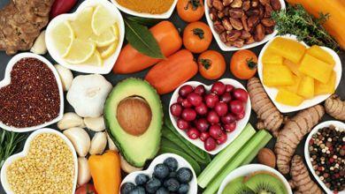 صورة أهم 10 أطعمة غنية بمضادات الأكسدة لحماية الجسم من الأمراض