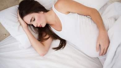 صورة أسباب الشعور بالنعاس الشديد خلال فترة الحمل ونصائح لتجنبه