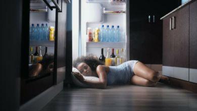 صورة بدون استخدام التكييف أوالمروحة.. نصائح صحية لنوم مريح في فصل الصيف