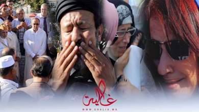 صورة دموع ورثاء في جنازة الفنانة أمينة رشيد.. فنانون: الوداع خالتي أمينة_ فيديو