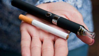 صورة السجائر الإلكترونية تتسبب في إرتفاع عدد المرضى في أمريكا