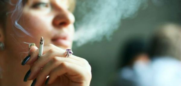 كيف يؤثر التدخين على صحتك وجمالك؟