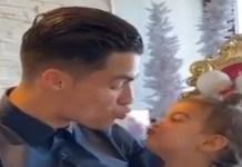 ملايين المشاهدات لفيديو تقبيل كريستيانو رونالدو لإبنته الصغيرة- فيديو