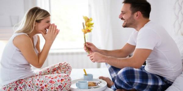5 نصائح لكسب قلب زوجك بعد سنوات من الزواج