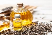 4 فوائد علاجية لزيت الخروع على البشرة