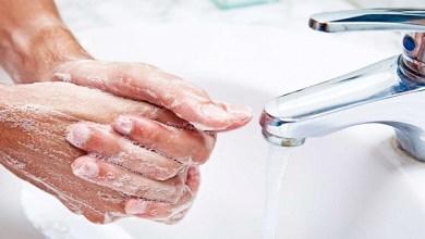 """صورة كيف يقضي الماء الدافئ والصابون على فيروس """"كورونا"""" نهائيا؟"""