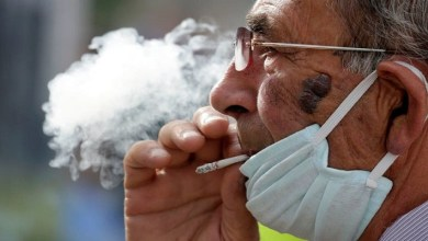 صورة كيف يتسبب التدخين في نقل عدوى كورونا؟