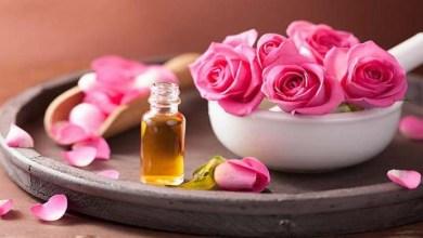 صورة 3 وصفات طبيعية بزيت الورد للإعتناء بالبشرة