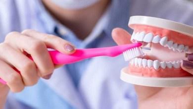 صورة عادة يومية تشكل خطرا على صحة أسنانك