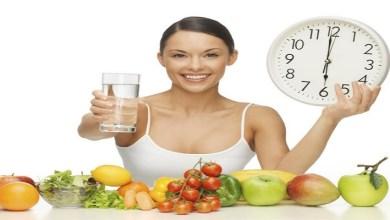 صورة ملف خاص.. كيف تستطيعين التخلص من الوزن الزائد بإتباع ريحيم الماء والفواكه؟