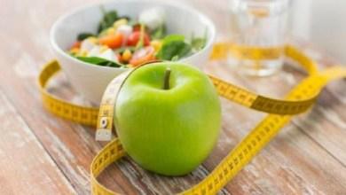 صورة ماذا يحدث لجسمك عند تناول تفاحة كل يوم؟