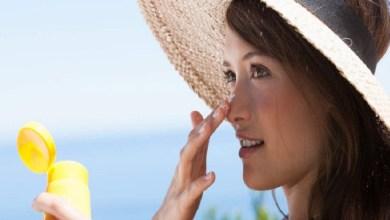 صورة كيف تتخلصي من آثار الشمس على الوجه؟