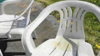 صورة تعرفي على الطريقة الصحيحة لتنظيف الكراسي البلاستيكية